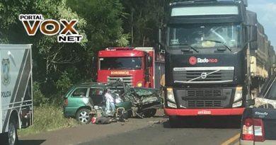 Fatal > Grave acidente deixa uma pessoa morta e duas feridas na PR 483
