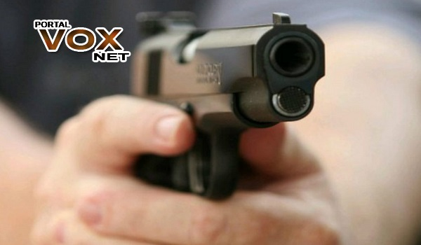 Arma > Decreto que flexibiliza posse de arma sai este mês, diz Bolsonaro