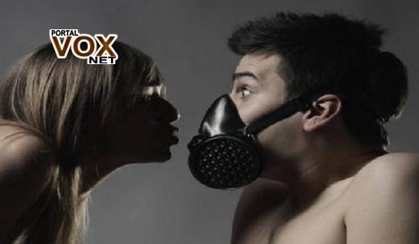 sexo com mascara