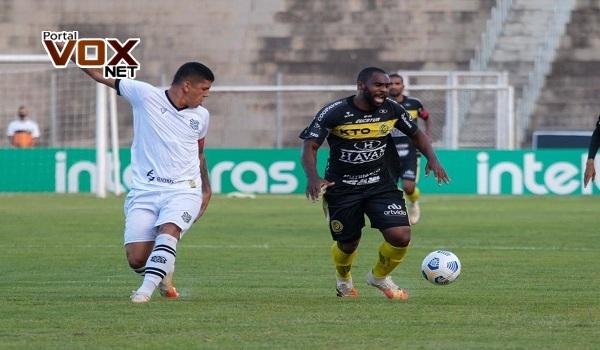 Finalista – FC Cascavel joga bem, vira sobre o Athletico e está na final do Paranaense