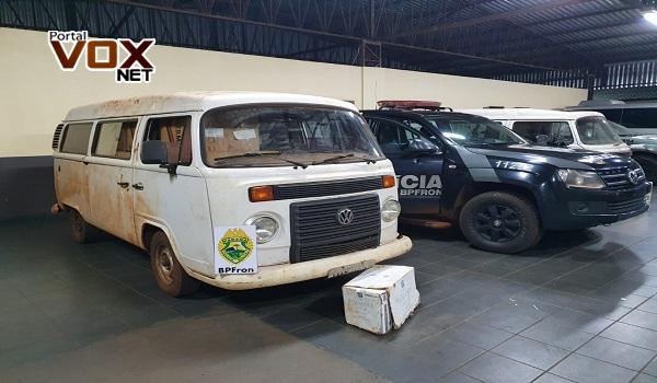 Guaíra – BPFron apreende dois veículos carregados com cigarros contrabandeados em Dr. Oliveira Castro