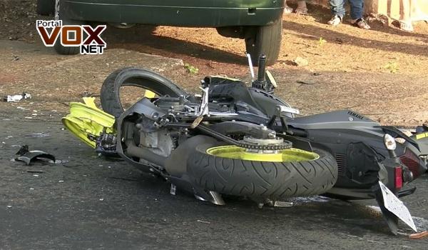 Foz – Entregador morre em acidente entre carro e moto
